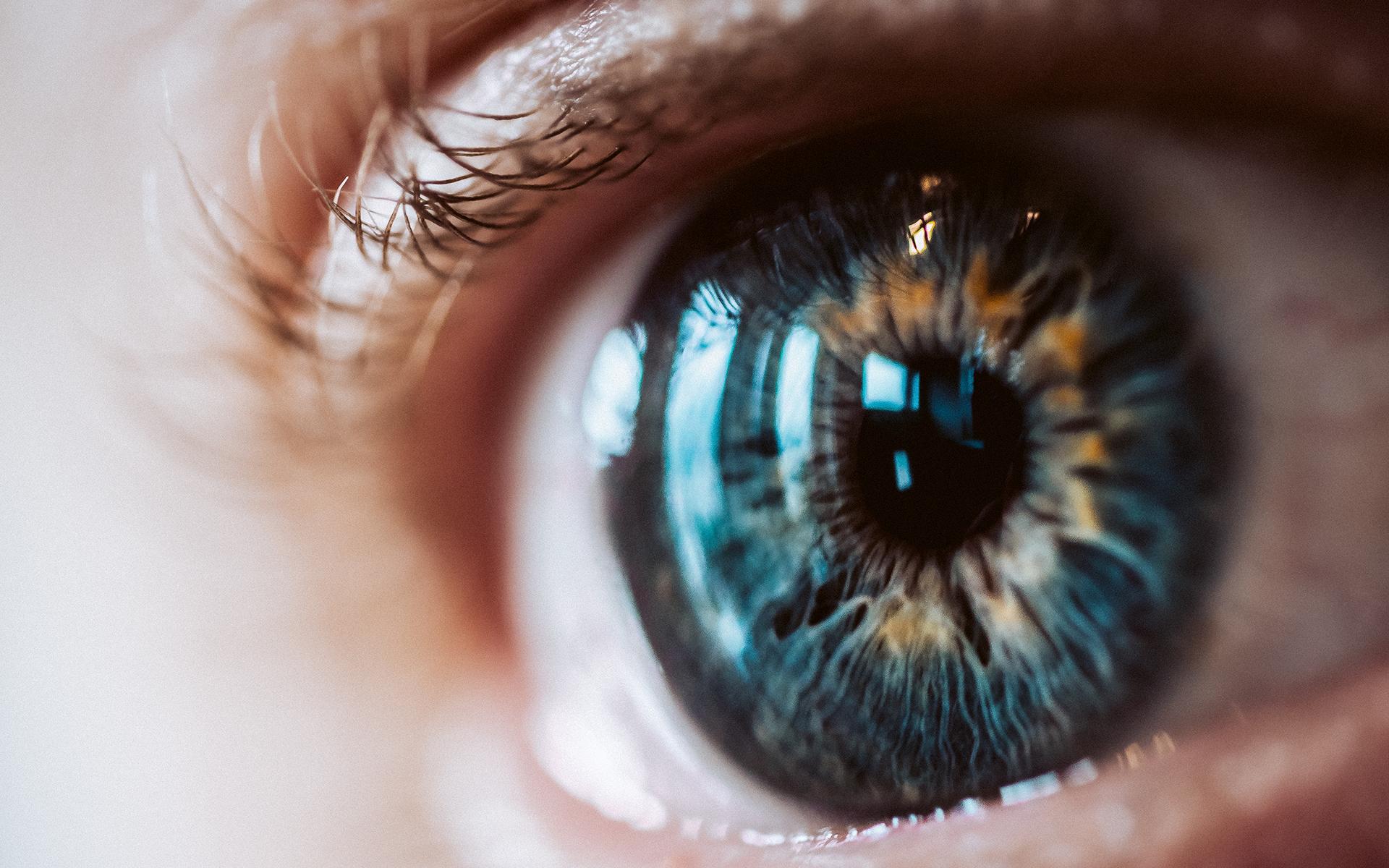 8 Benefits of the Hylo Eye Care® Lubricating Eye Drops
